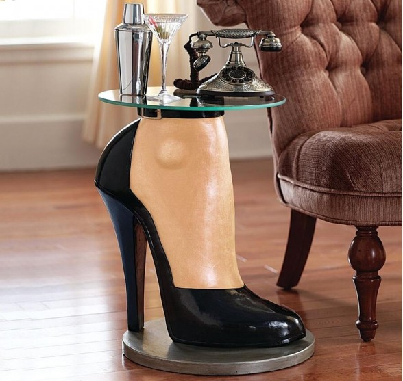 THE HIGH HEEL SIDE TABLE