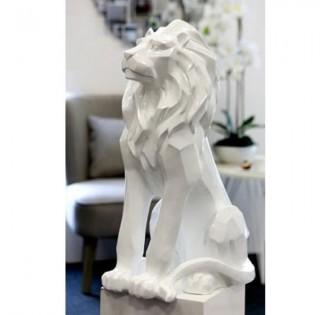 NOBLE WHITE LION SENTINEL